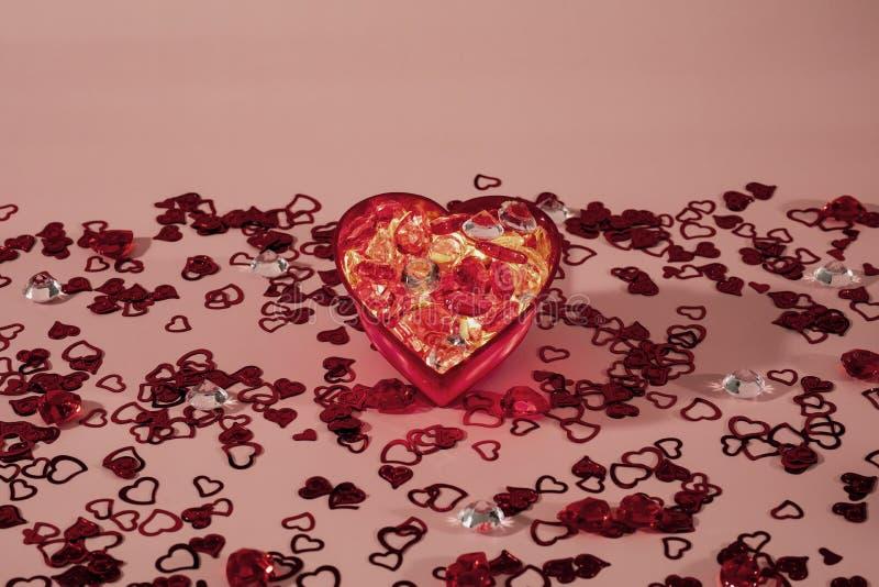 Combustione rossa del cuore con l'amore fotografia stock libera da diritti
