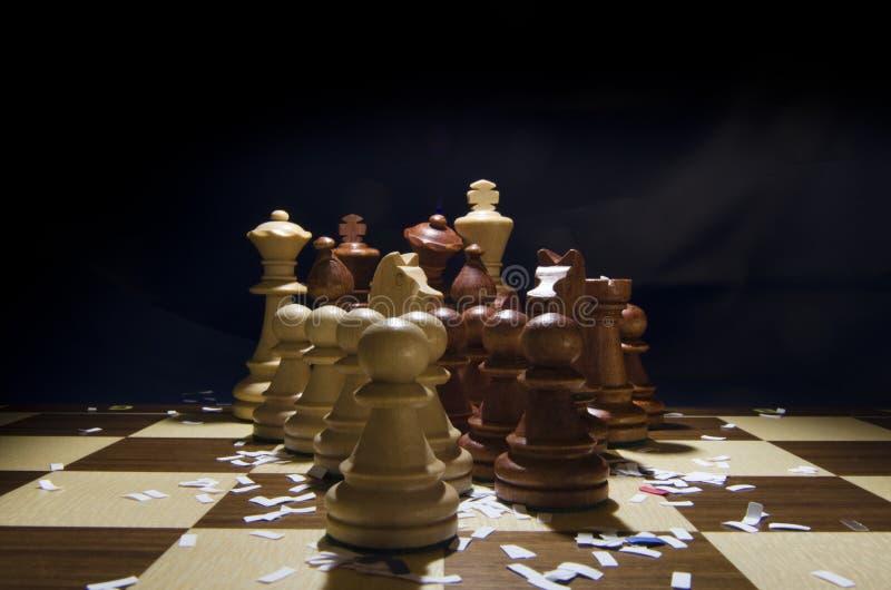 Começando o jogo de xadrez fotografia de stock royalty free