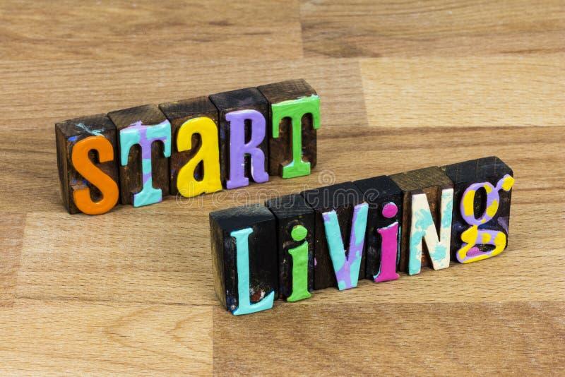 Começar a viver comece uma nova aventura da vida aproveite o sonho do estilo de vida fotos de stock