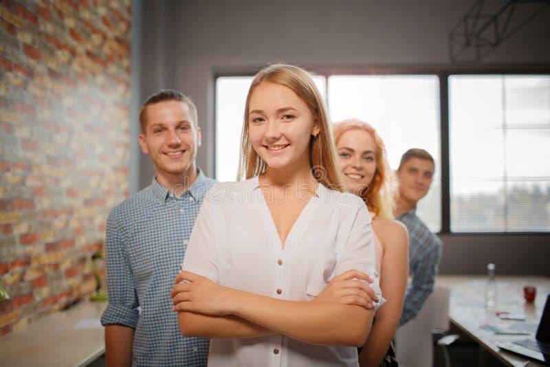 Comece acima o conceito Empregados bem sucedidos e felizes foto de stock royalty free