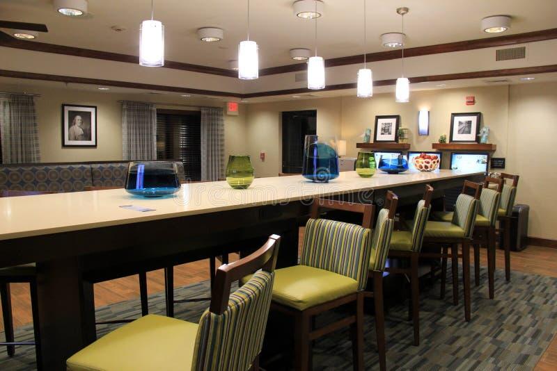 download comedor hermoso con los muebles contemporneos habitaciones del espino de wyndham franklin masa - Muebles Contemporaneos