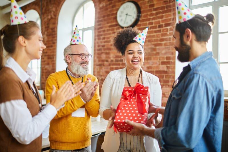 Comemorando o aniversário foto de stock