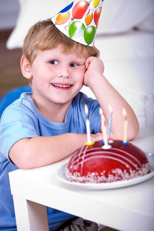 Download Comemorando o aniversário imagem de stock. Imagem de partido - 16855387