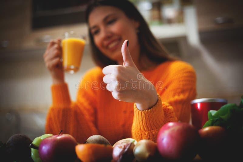 Comer saudável do bom batido fotos de stock
