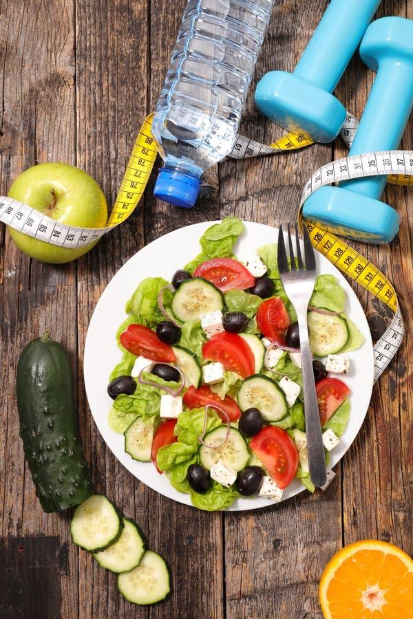 Comer saudável, salada vegetal foto de stock royalty free
