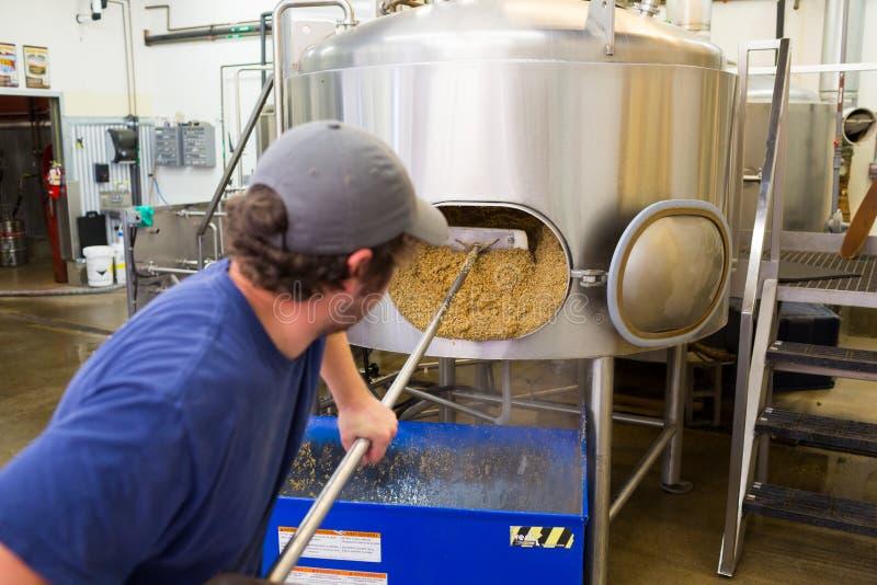 Comercialmente elaboración de la cerveza IPA en Oakshire fotografía de archivo libre de regalías