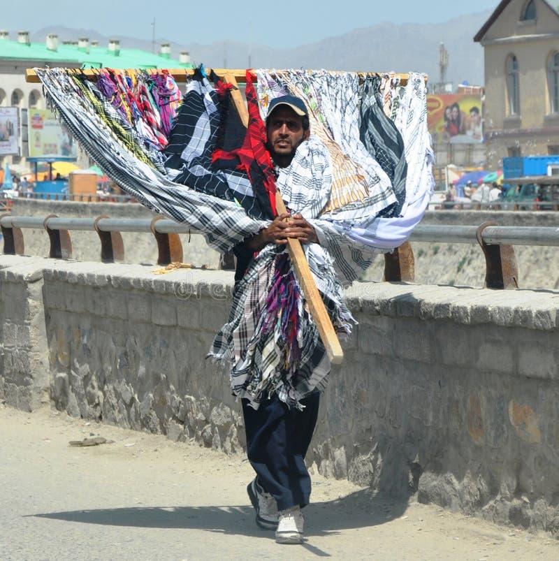 Comerciante afgano de la bufanda imágenes de archivo libres de regalías