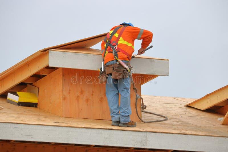 Comerciante Working na construção imagens de stock