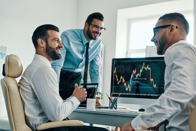 Comerciantes bem sucedidos imagens de stock
