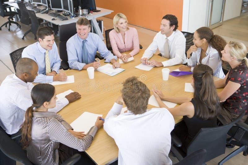 Comerciantes conservados em estoque em uma reunião imagem de stock royalty free