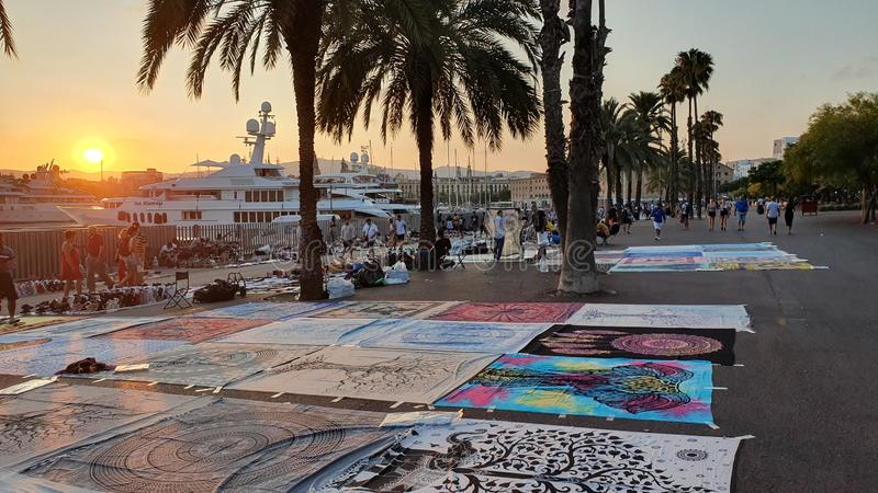 Comerciantes da rua em Barcelona, en superior Barcelona do manta imagens de stock royalty free