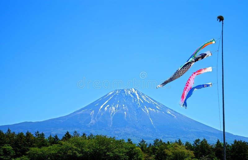 Cometas de la carpa de Koinobori del japonés imagen de archivo libre de regalías
