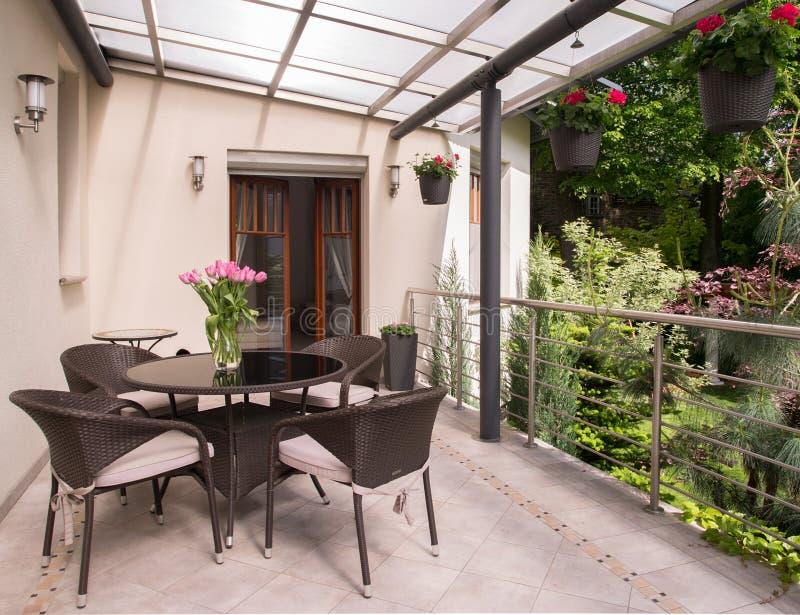 Comfortabel balkon royalty-vrije stock fotografie