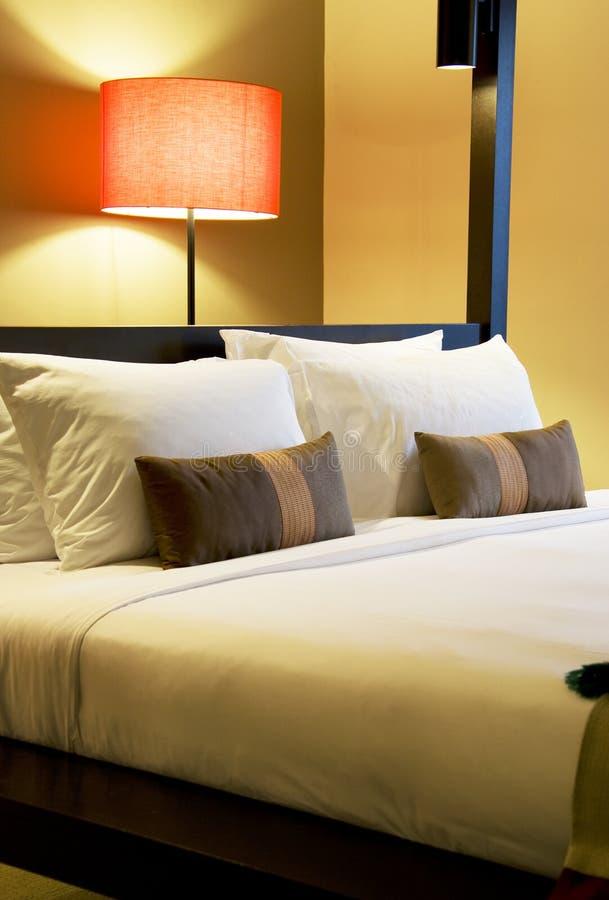 Comfortabel Bed royalty-vrije stock afbeelding