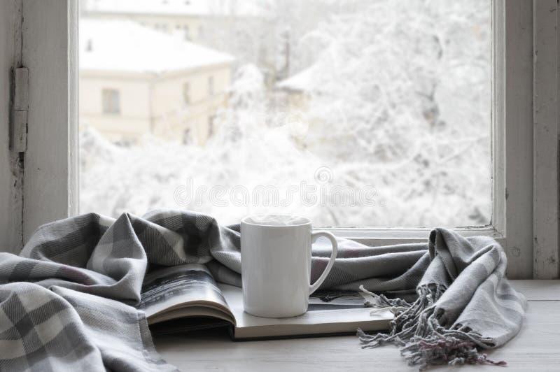 Comfortabel de winterstilleven stock foto's