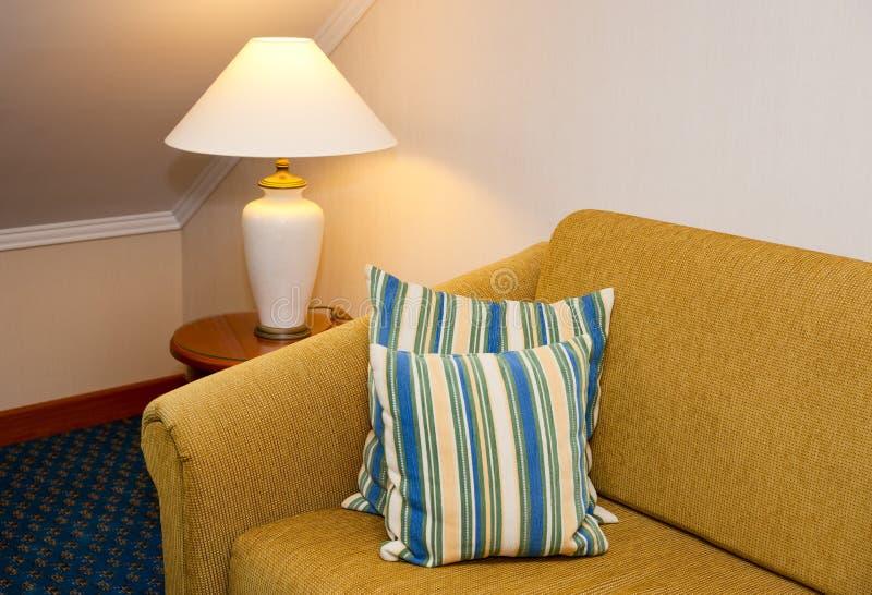 Comfortabel hotelbinnenland royalty-vrije stock afbeelding