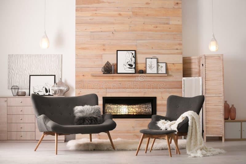 Comfortabel woonkamerbinnenland met comfortabel meubilair royalty-vrije stock afbeelding