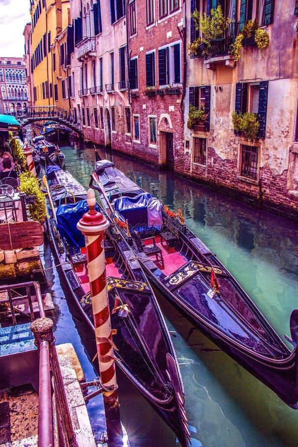 Comfortabele binnenplaatsen van Venetië royalty-vrije stock fotografie