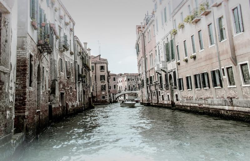 Comfortabele binnenplaatsen van Venetië royalty-vrije stock afbeelding