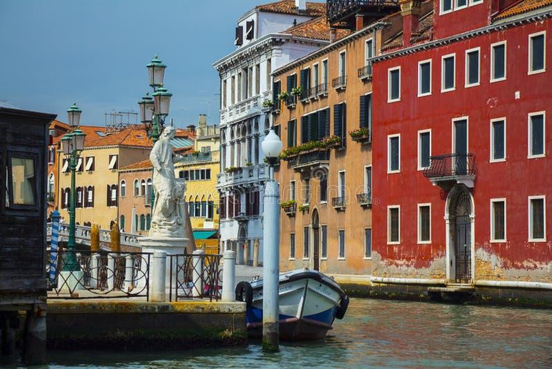 Comfortabele binnenplaatsen van Venetië royalty-vrije stock foto
