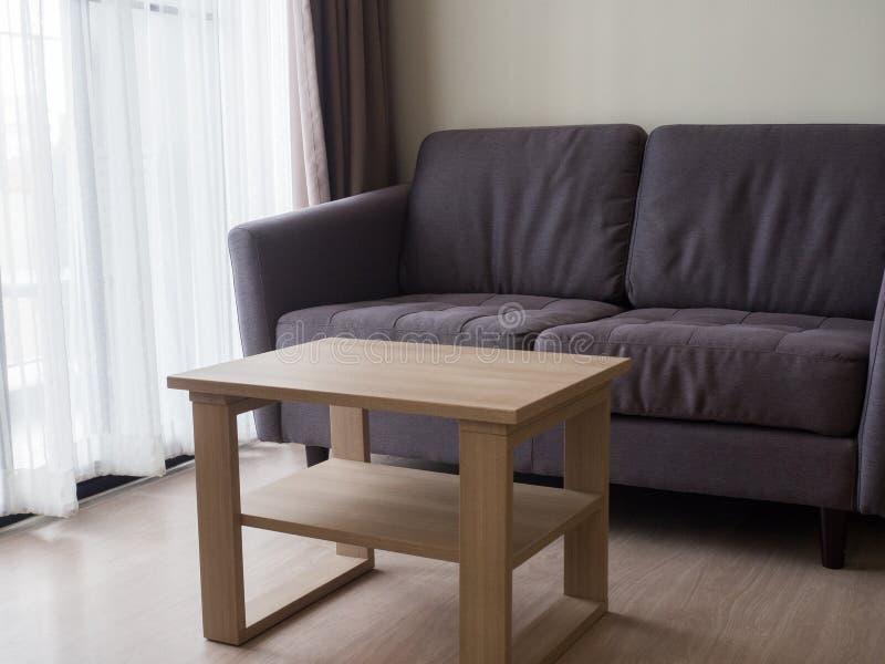 Comfortabele modieuze woonkamer met bankreeks moderne woonkamer