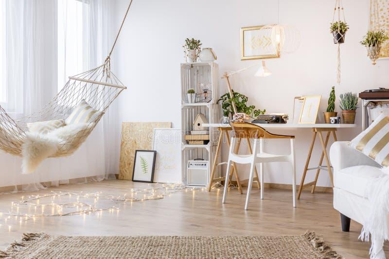 Comfortabele werkende plaats stock foto's