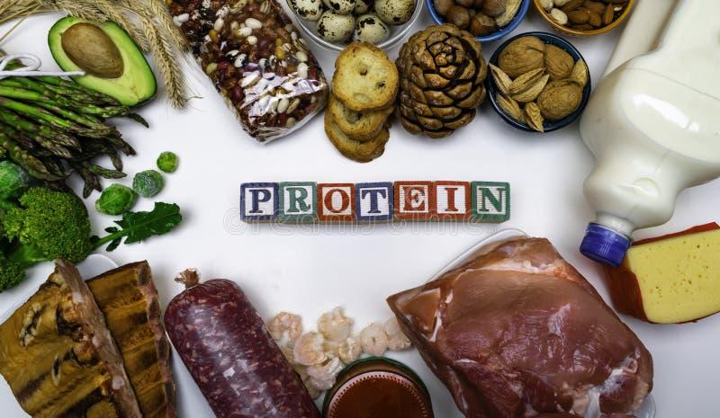 Comida alta en la proteína aislada en el fondo blanco fotografía de archivo libre de regalías