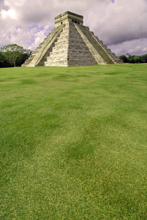 Comida campestre de la pirámide fotografía de archivo libre de regalías