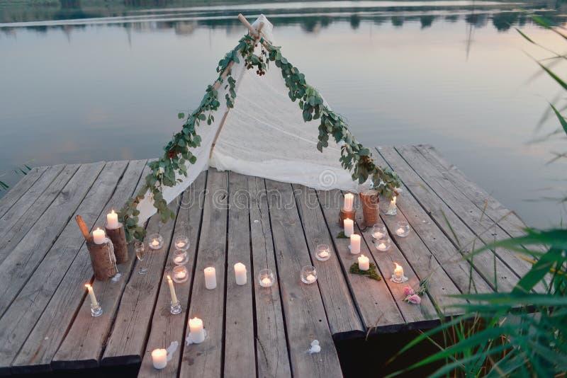 Comida campestre romántica fotografía de archivo libre de regalías