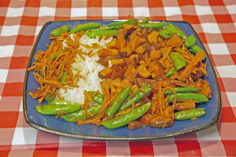 Comida colorida del arroz y de las verduras fotografía de archivo