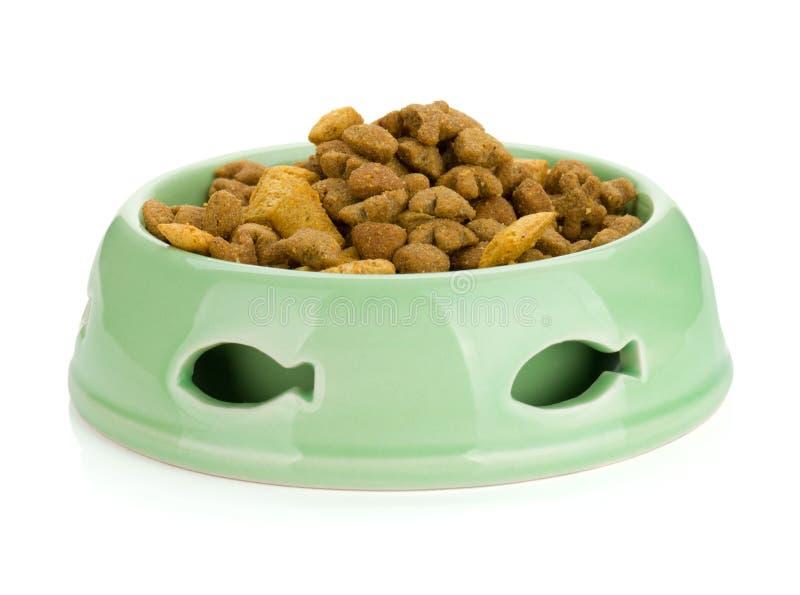 Comida de gato em uma bacia fotografia de stock