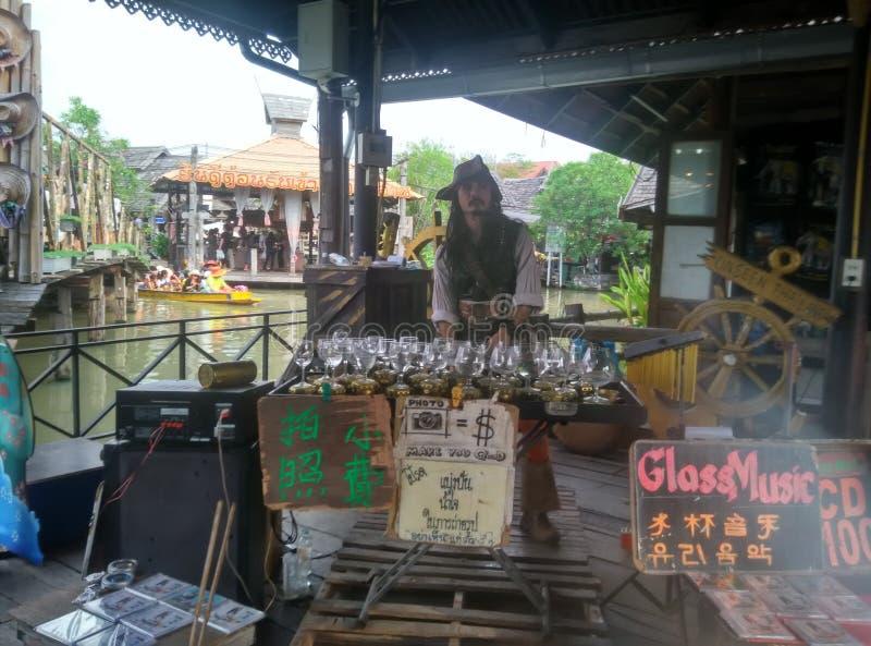 Comida de la calle del mar de Tailandia de las formas de vida del viaje del día de fiesta del gorrión de capitán Jack imágenes de archivo libres de regalías