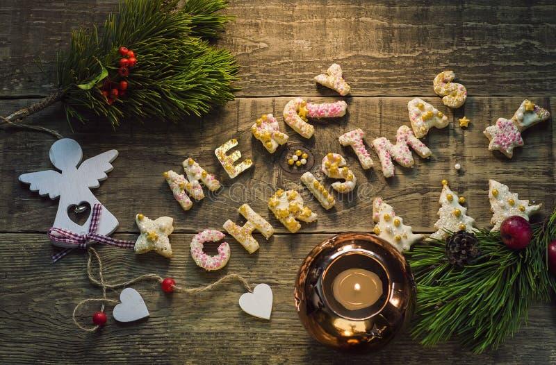 Comida de la Navidad, galletas en el ajuste de la Navidad Postre de Navidad fotografía de archivo libre de regalías