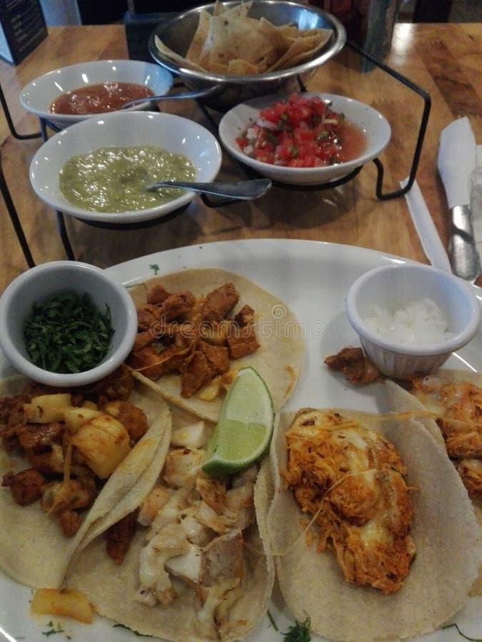 Comida del mexicano de los tacos foto de archivo