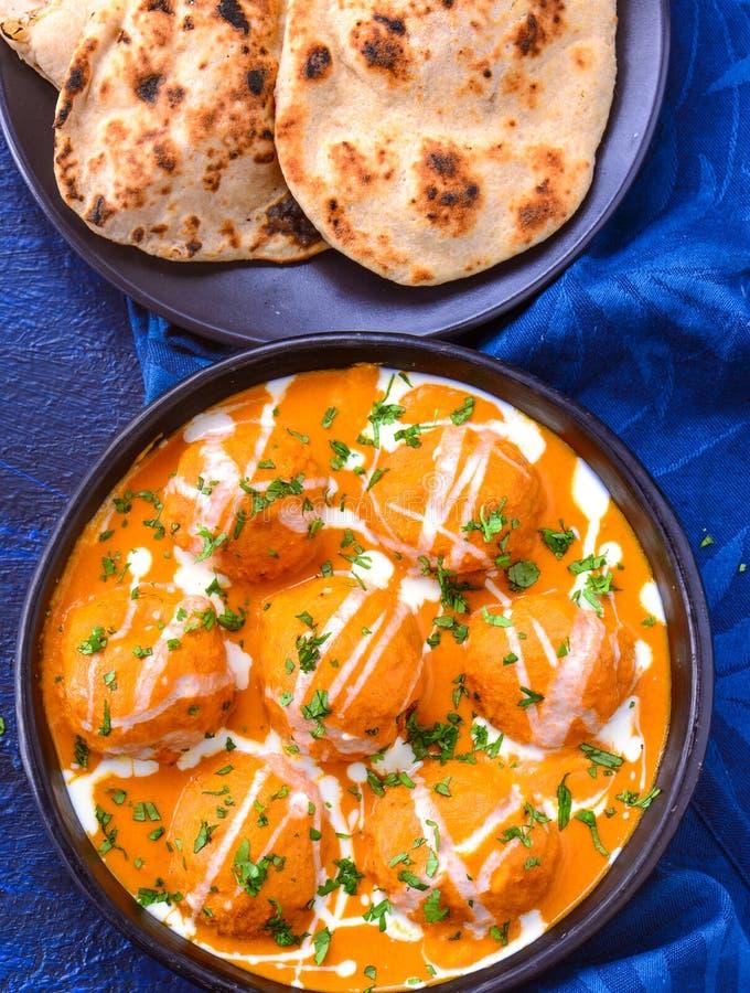 Comida del norte de India - Malai kofta con Tandoori roti imagen de archivo