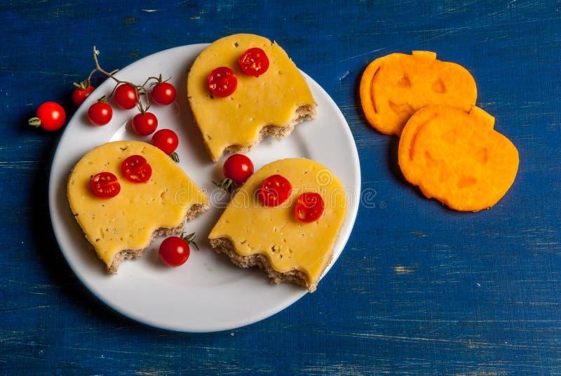Comida divertida para un niño para Halloween foto de archivo