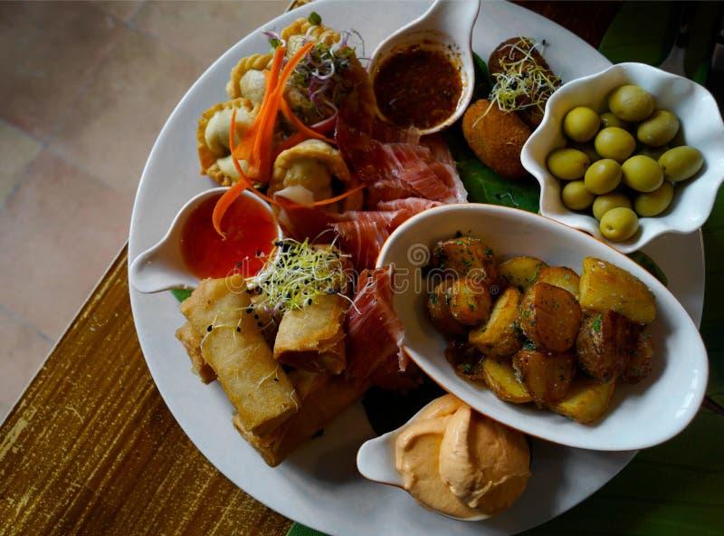 Comida española típica imagenes de archivo