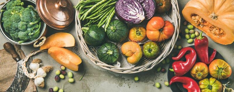 Comida estacional vegetariana sana de la caída que cocina el fondo, composición ancha fotografía de archivo