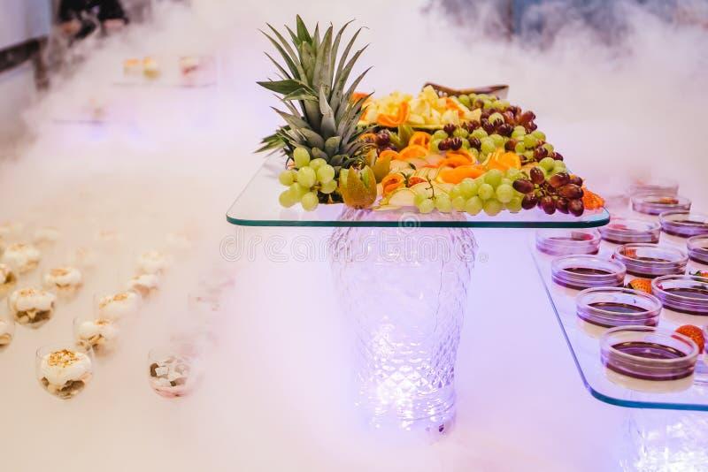 Comida fría del restaurante del abastecimiento para los eventos foto de archivo libre de regalías