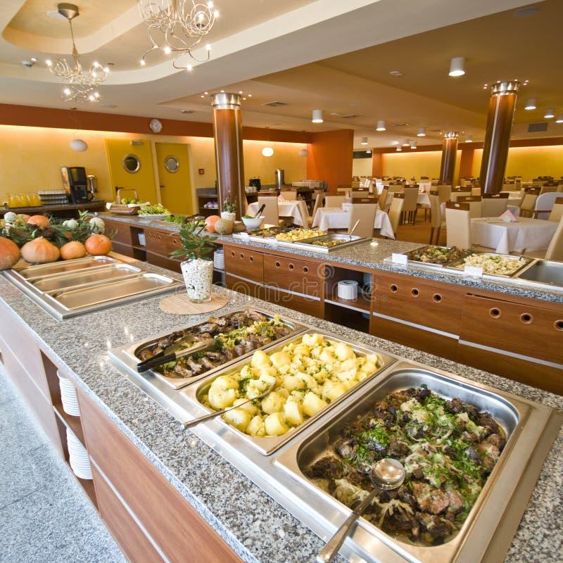 Comida fría en comedor del hotel fotografía de archivo