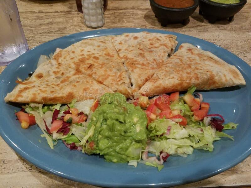 Comida Mexique de restaurant de guacamole de tortillas de nourriture de mexicanfood de Quesadilla image libre de droits
