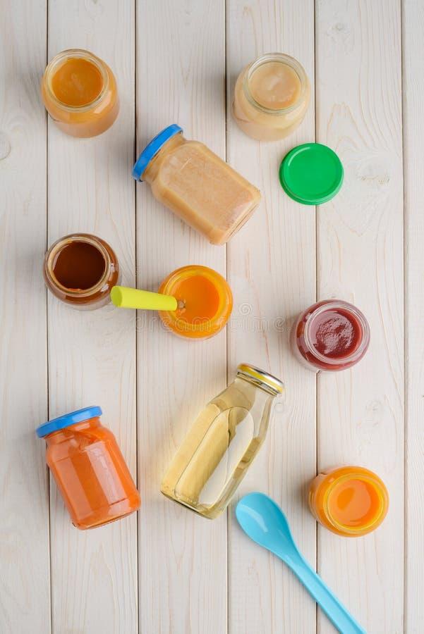 Comida para bebê e bebida imagens de stock