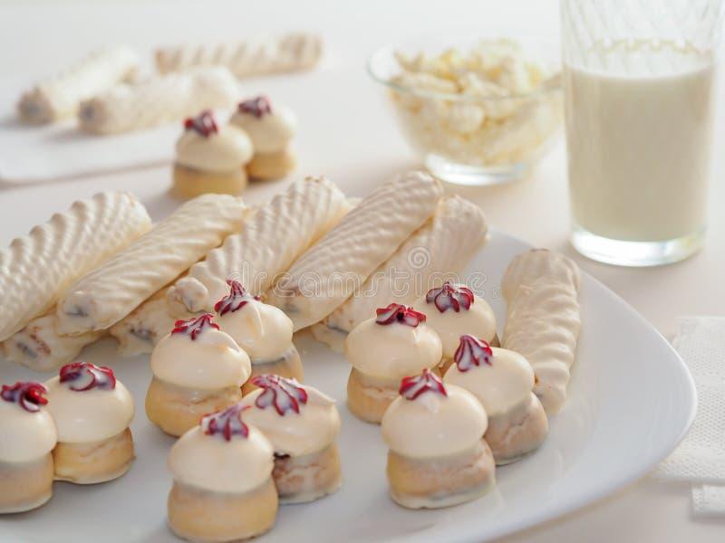 Comida para los dulces y los amantes de la leche foto de archivo