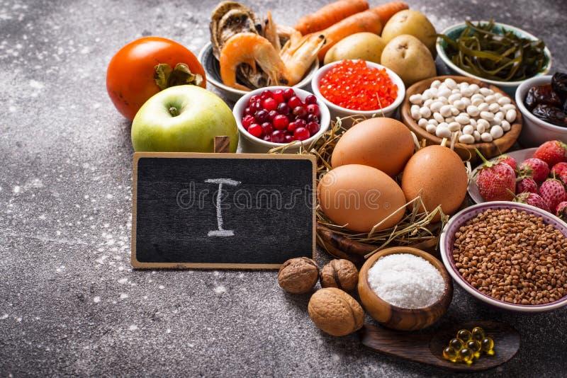 Comida sana que contiene el yodo Productos ricos en m? fotografía de archivo libre de regalías