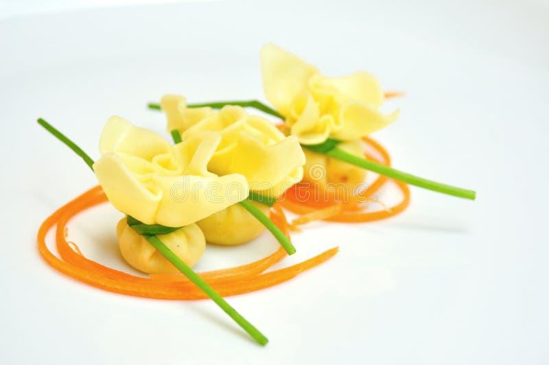 Comida típica del italiano: pastas imagen de archivo libre de regalías