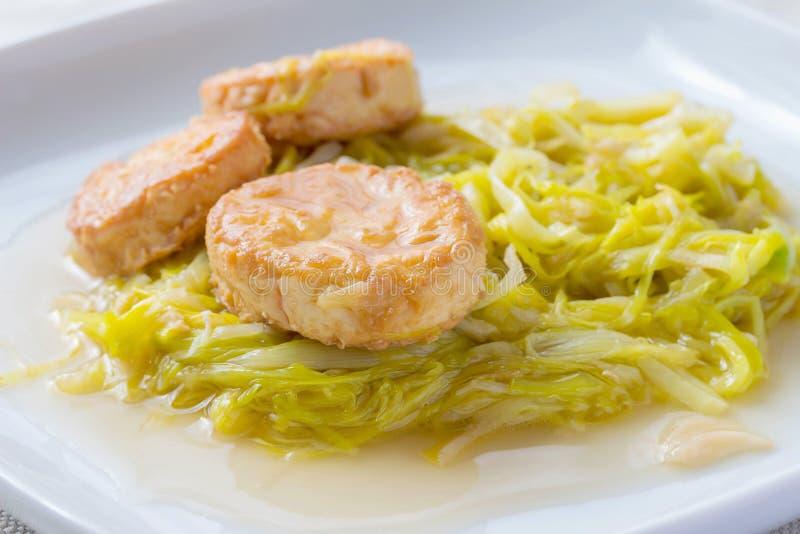 Comida tailandesa; cebolletas de Fried Garlic del queso de soja blancas fotos de archivo