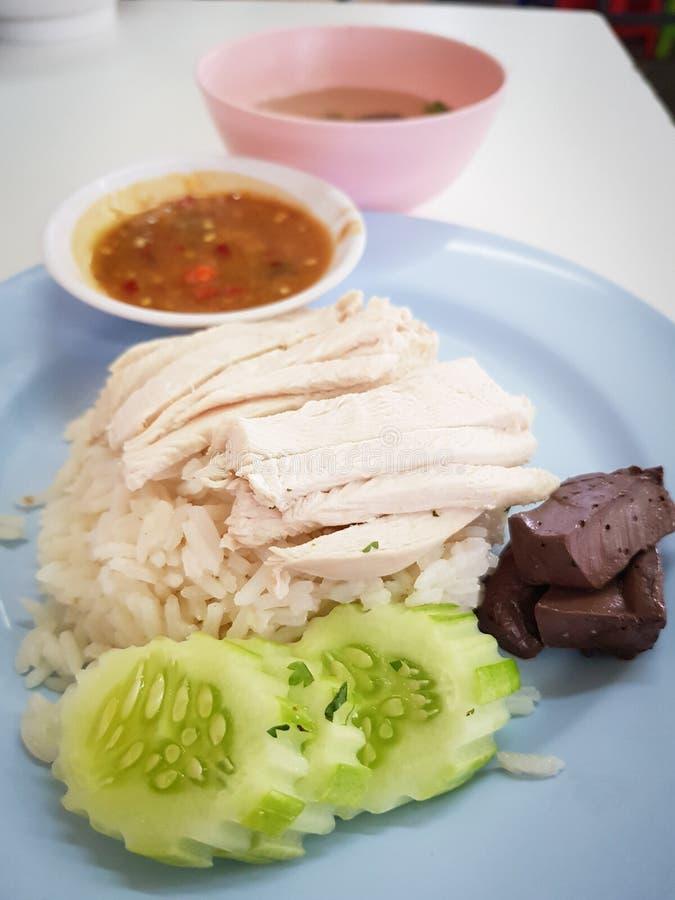 Comida tailandesa de la calle: Arroz del pollo imagen de archivo