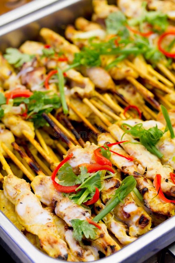 Comida tailandesa del estilo de Satay del cerdo fotos de archivo