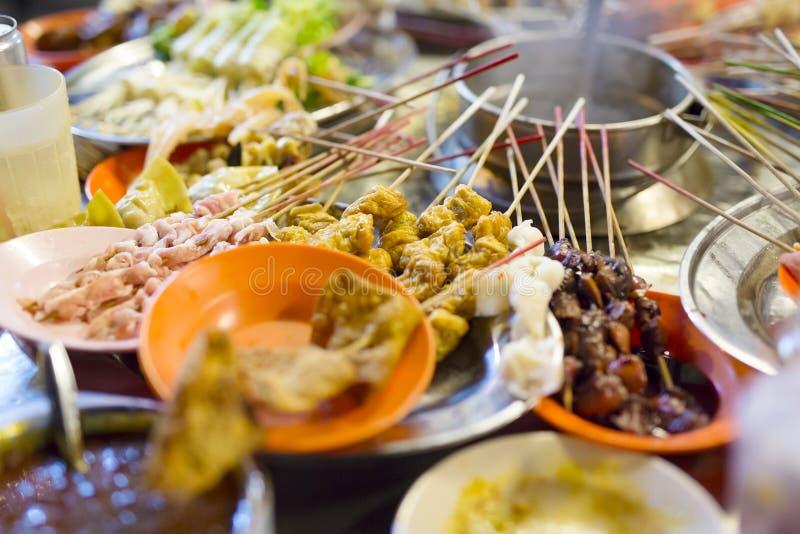 Comida tradicional de la calle del lok-lok de Malasia imágenes de archivo libres de regalías