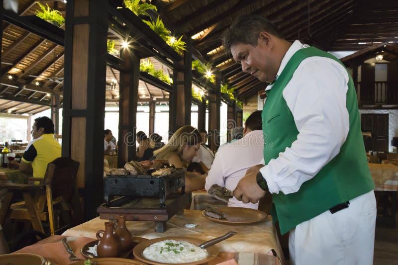 Comida tradicional en un restaurante de Bolivia en Santa Cruz fotos de archivo libres de regalías
